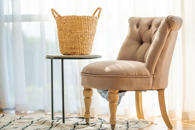 Jak obszyć fotel domowy?